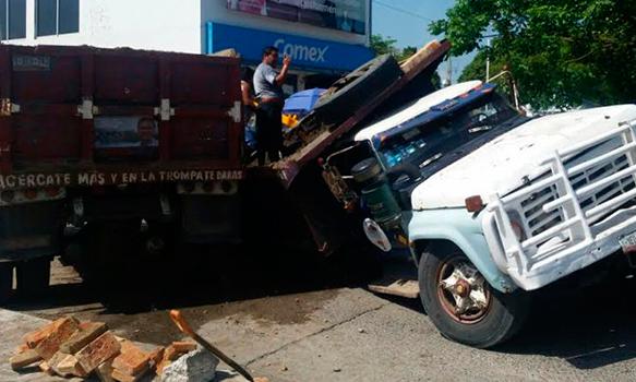 Accidente-Camión-volteo