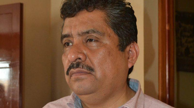 Hombres armados intentaron secuestrar al diputado local Édgar Díaz Fuentes, luego de que éste emitiera su voto en la casilla 1360 de la comunidad Ahuateno, municipio de Chicontepec, perteneciente al distrito II. Sin embargo, la gente que se encontraba en la casilla impidió que se llevaran al legislador, quien de este modo se salvó de ser plagiado.