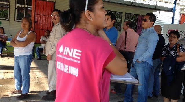 Funcionarios de casillas, propietarios y suplentes, dejan plantados a los CAES el día de las elecciones y personal del INE sufre por conseguir quien apoye durante el resto de la jornada electoral.