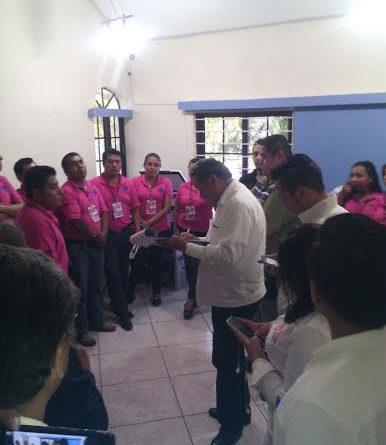 Poza Rica, Ver.- Con la presencia de un notario público se verifica en el OPLE que el sistema este en ceros.
