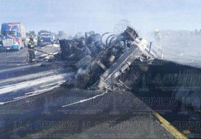 Arde camión en la Perote – Banderilla