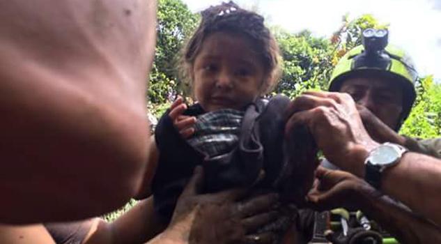 Rescatan a niña