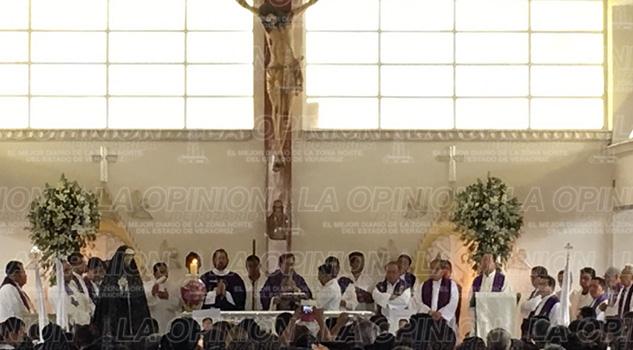 arzobispo-misa-cuerpo-presente-sacerdotes