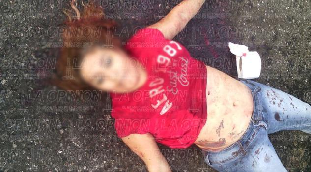Asesinan a mujer de 5 balazos