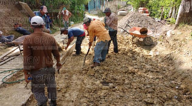 construyen-rampa-de-acceso-con-recursos-propios