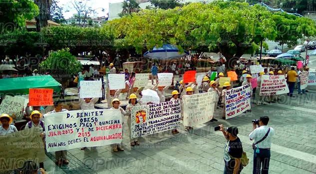 marcha-planton-papantla-salarios