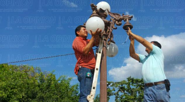 no-aparecen-los-400-mil-pesos-para-luminarias