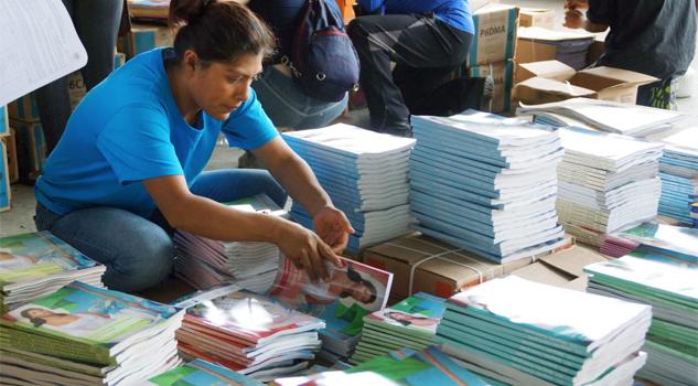 Sin libros cientos de alumnos