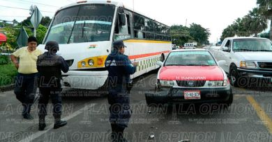 accidente-tlapacoyan-martinez-microbus-taxi