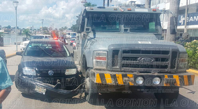 automovil-camioneta-percance