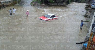 autos-bajo-el-agua