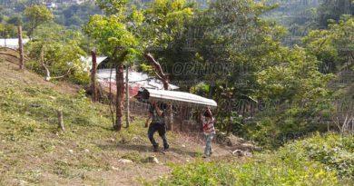 decenas-de-familias-invaden-area-verde