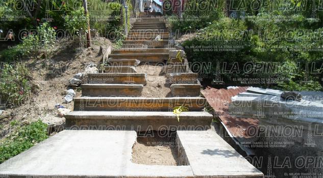 escalinatas-a-punto-de-caer