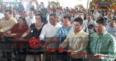inauguran-la-muestra-de-altares-2016
