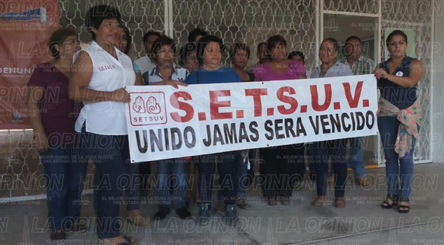 se-manifiestan-trabajadores-del-setsuv