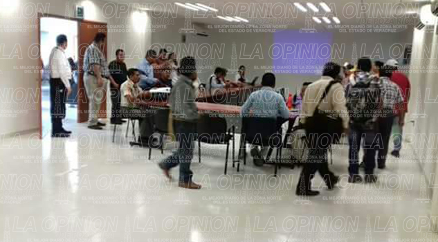 agentes-municipales-piden-a-cfe-no-mas-apagones