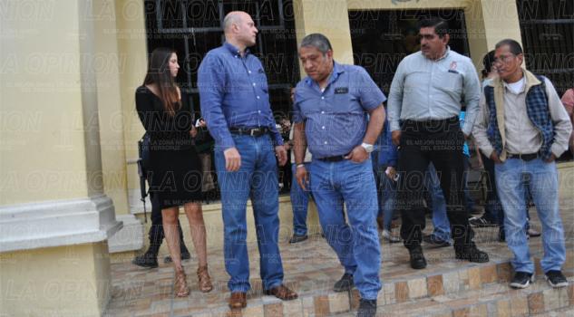 Amarran manos a Marcos Romero
