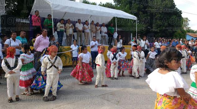 Conmemoran el Día de la Revolución Mexicana en Tihuatlán