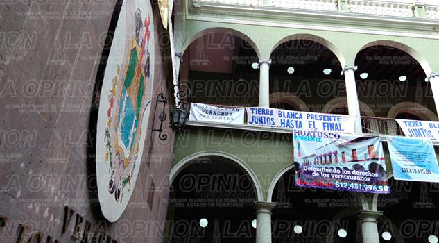desalojo-palacio-gobienro-xalapa