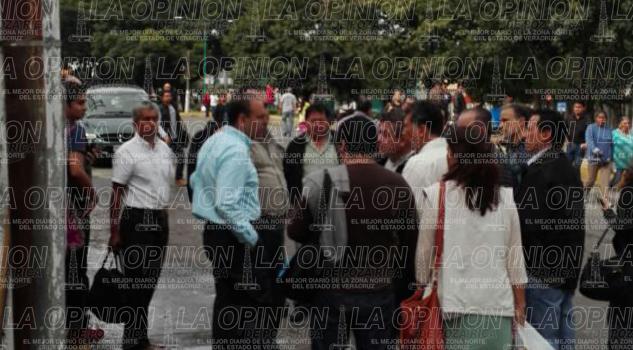 Desalojan a trabajadores de Sefiplan y Radio Televisión de Veracruz