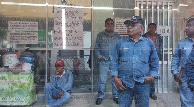 empleados-del-sidetav-tambien-exigen-pagos