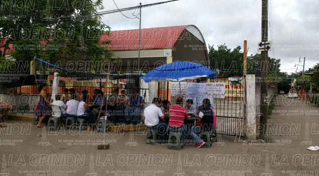 escuelas-de-totolapa-y-plan-de-ayala-tambien-fueron-tomadas