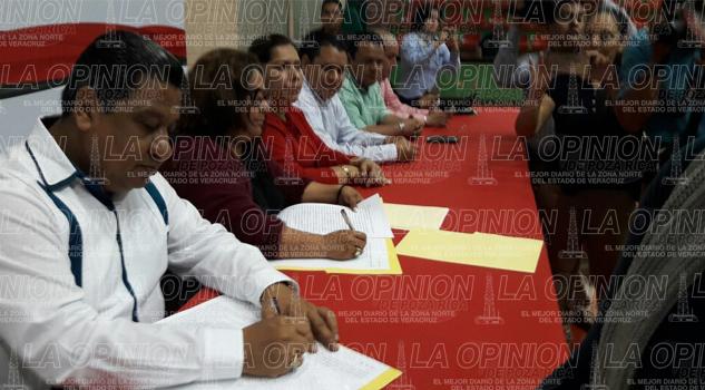 escuelas-ya-cuentan-con-escrituras