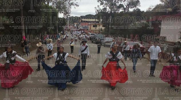 frio-no-detuvo-la-conmemoracion-de-la-revolucion-mexicana