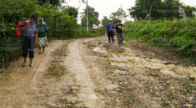 lluvias-destrozan-caminos