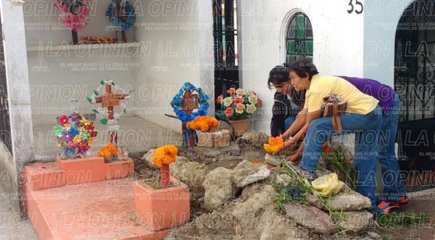 los-sonidos-del-cementerio-en-un-dia-de-muertos