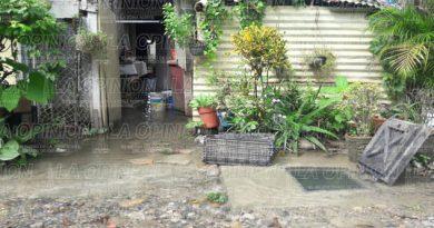 ruptura-de-valvula-deja-sin-agua-a-cientos-de-familias