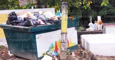 toneladas-de-basura-en-cementerios