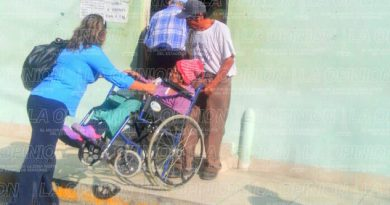 ventanilla-de-atencion-65-sin-rampa-para-discapacitados