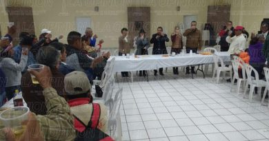 Alcalde de Tihuatlán realiza el tradicional brindis