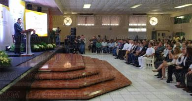 Alcalde de Tihuatlán rinde su tercer informe de labores