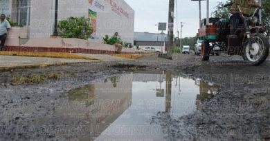 en-ruinas-la-calle-del-hospital-civil
