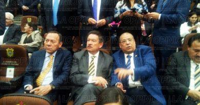 ex-dirigentes-nacionales-del-prd-en-espera-de-la-toma-de-posesion-de-yunes