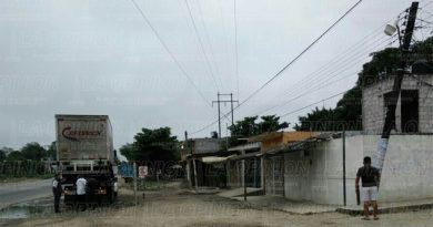 Familias del Kilómetro 6 se quedan sin luz