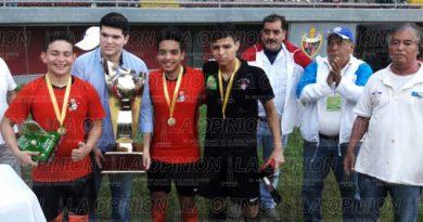 Gaviotas, bicampeón del Torneo de Barrios Sub 17