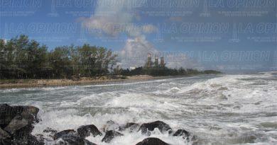 marejada-causa-danos-en-playas