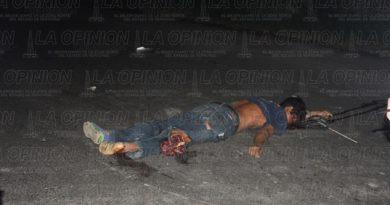 Motociclista muere destrozado