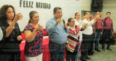 Reconoce alcalde a burócratas