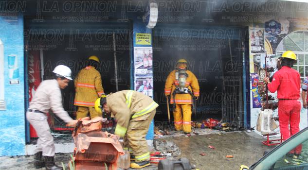 se-incendia-tienda-de-abarrotes