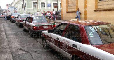 Taxistas de Papantla acuerdan no subir costo del pasaje