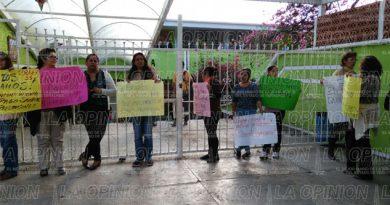 Trabajadores del Cobaev exigen pago de sueldos
