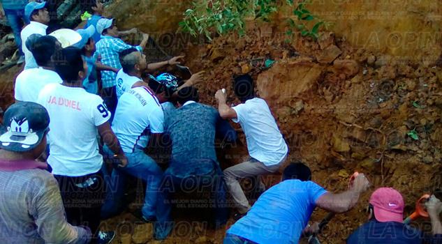 Accidente Deslizamiento Alud Tierra