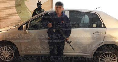Capturan a sujeto que portaba un AR15