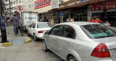 Conductores no respetan señalamientos de tránsito