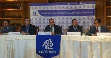 Coparmex presenta su propio acuerdo económico