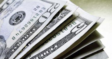 Dólar sube a 22.05 pesos en bancos
